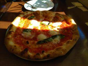 トラットリア ピッツェリア プルチーノ ピザ