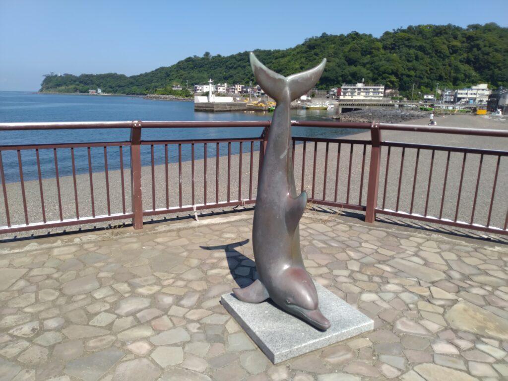 川奈海水浴場 いるかオブジェ